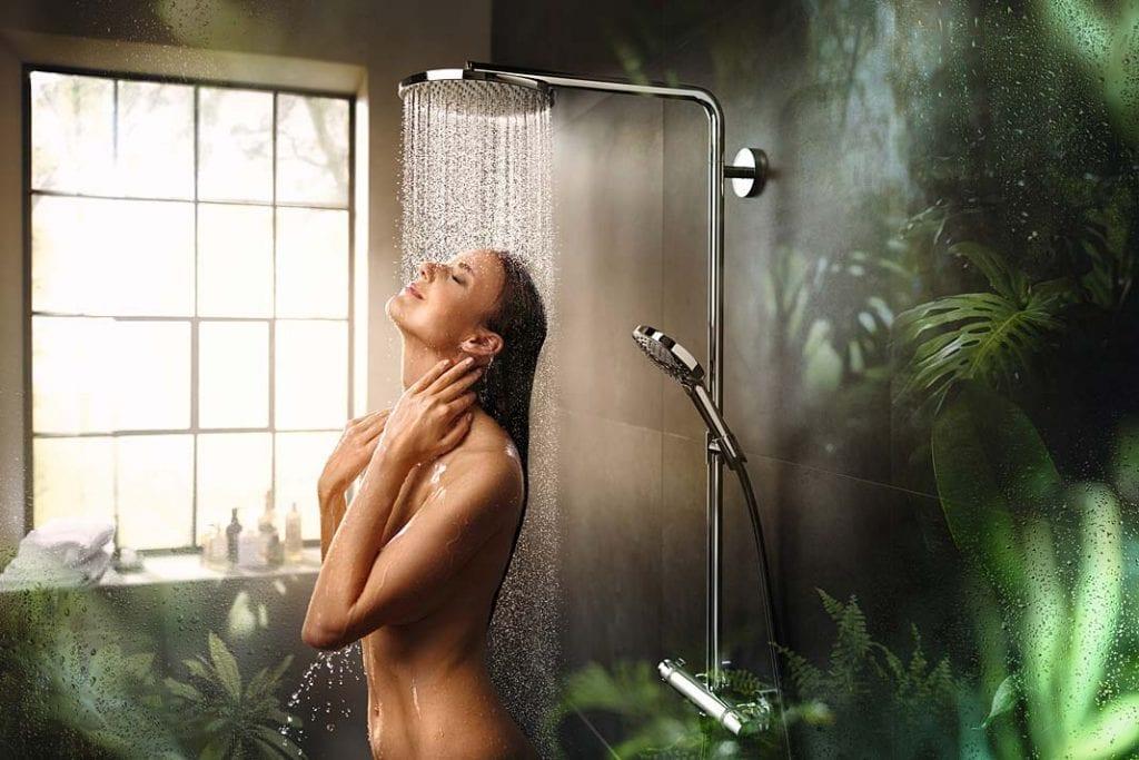 Łazienka blisko natury. Prysznic Hansgrohe Raindance Select S sprawi, że ciało otulą miliony kropelek.