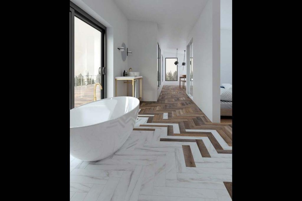 Bezpieczną alternatywą drewna w narażonych na wilgoć salonach kąpielowych są materiały do złudzenia imitujące ten surowiec.