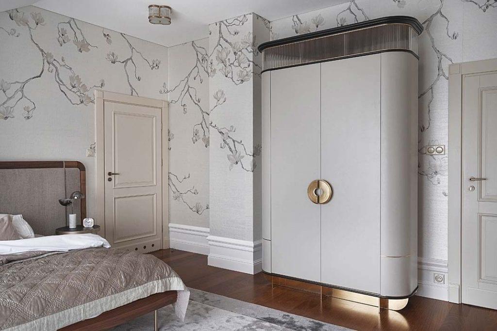 w sypialni umieszczono szafę z uchwytem firmy PullCast