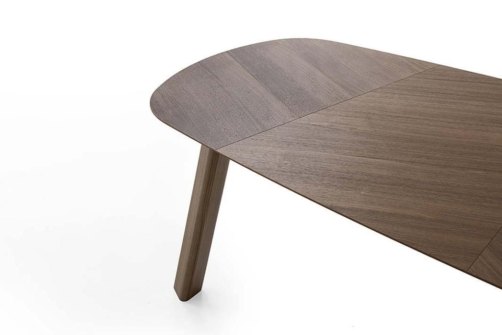 jodełkowy blat stołu według projektu Emilio Nanni dla marki Pianca