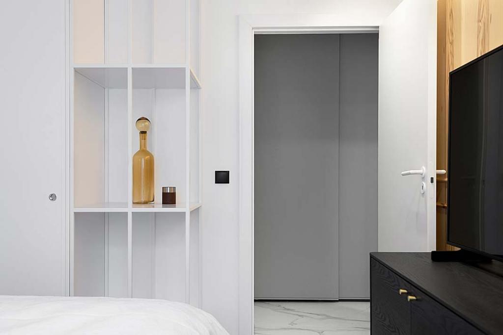 stonowana aranżacja sypialni nawiązująca do stylu skandynawskiego