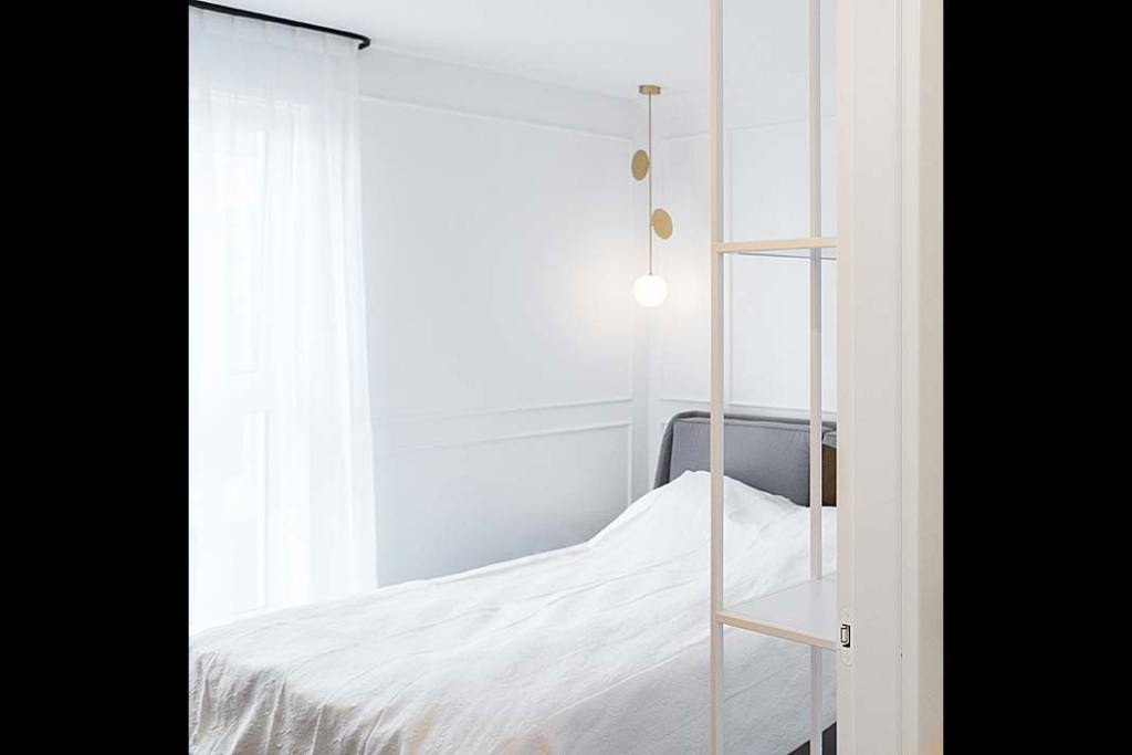 stonowana sypialnia według projektu Jana Sikory