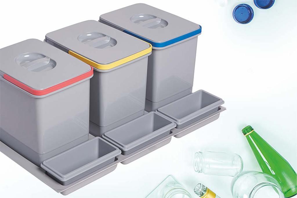 ekologiczne segregatory z oferty firmy Amix ułatwiające segregację śmieci w kuchni