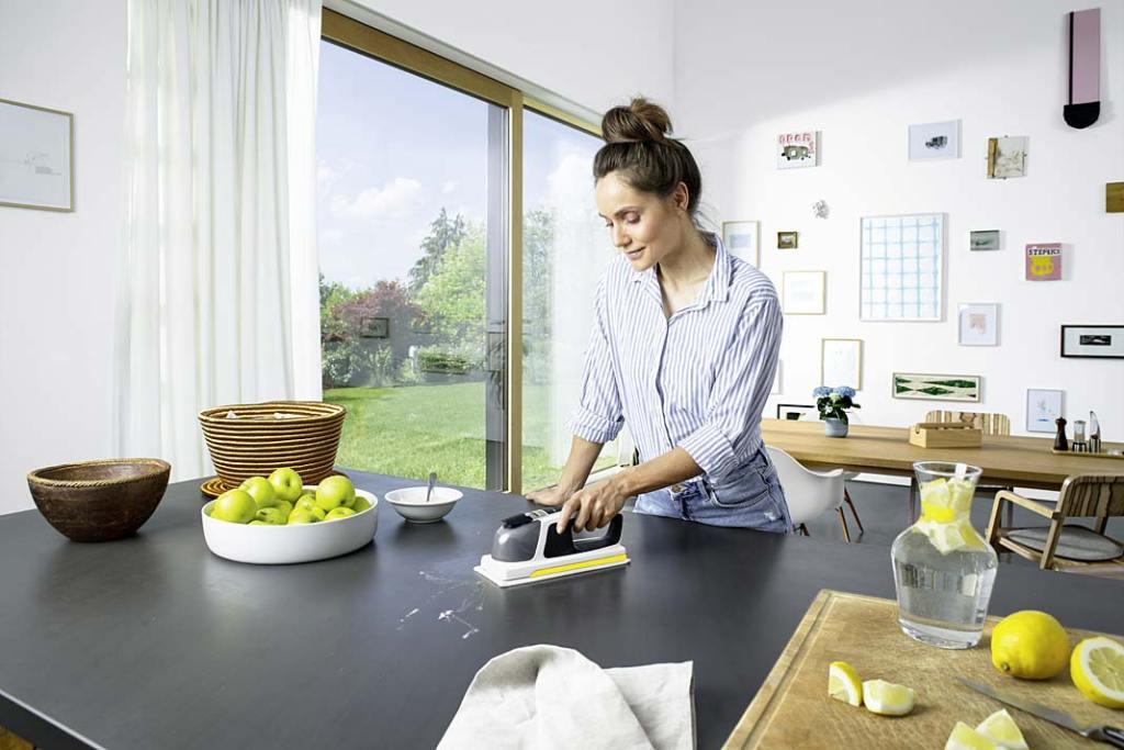 myjka Karcher KV 4 błyskawicznie wyczyści i zdezynfekuje wszystkie blaty w kuchni