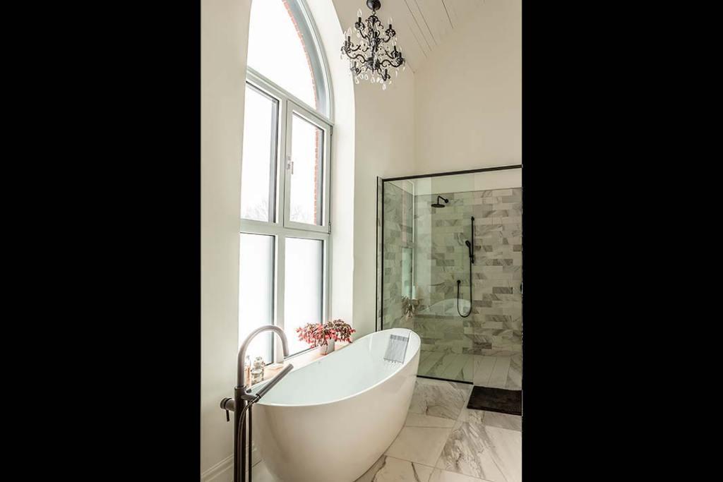 Rezydencja w kościele salon łazienkowy