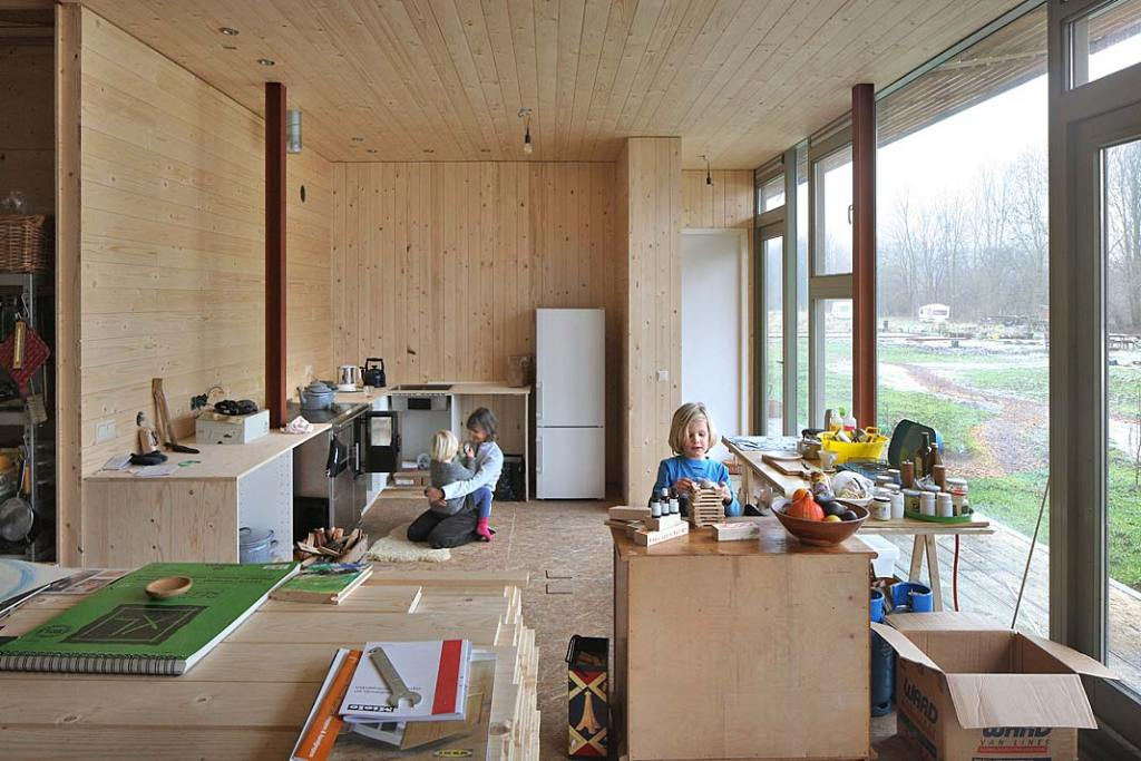Dom szeregowy Oosterwold Co‑living Complex - etap wykańczania wnętrz