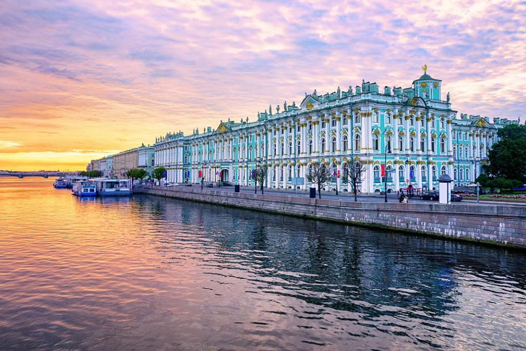 Ermitaż. Pałac Zimowy – główny budynek Ermitażu