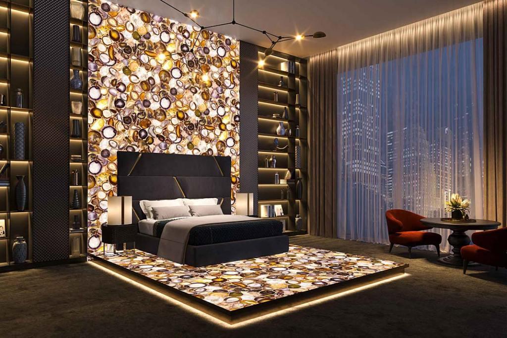 Podświetlana ściana z kamienia w sypialni, fot Interstone