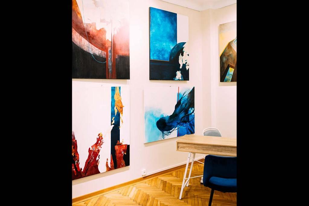 Sztuka w biurze. Prace Aleksandry Tracz, ekspozycja w Galerii Xanadu. Fot. Adam Kruczek