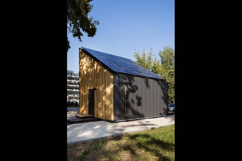 Solace House, pierwszy prefabrykowany dom plusenergetyczny w Polsce