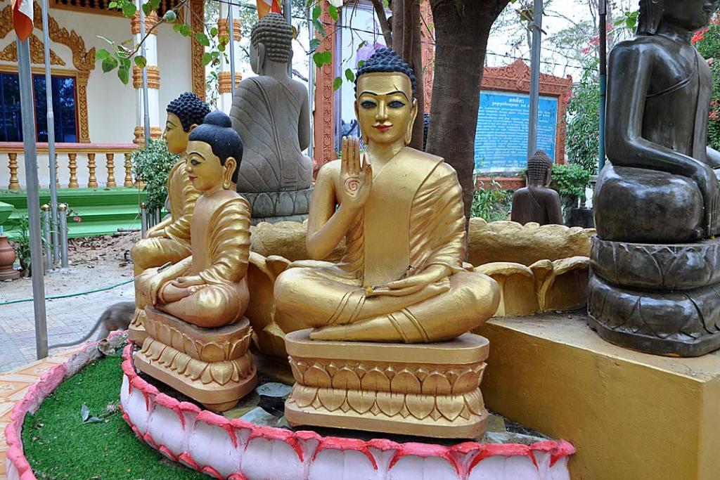 Świątynia buddyjska Phnom Sambok położona nawzgórzu wpobliżu Mekongu