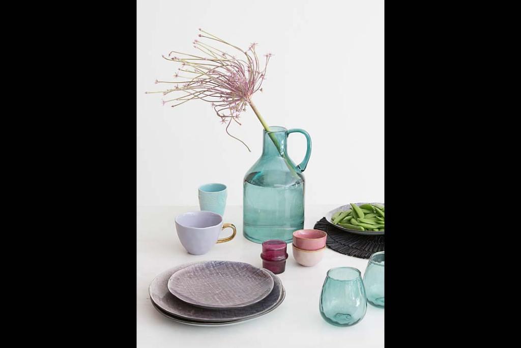Modna kuchnia w kolorze mięty: szkło marki Urban Nature Culture