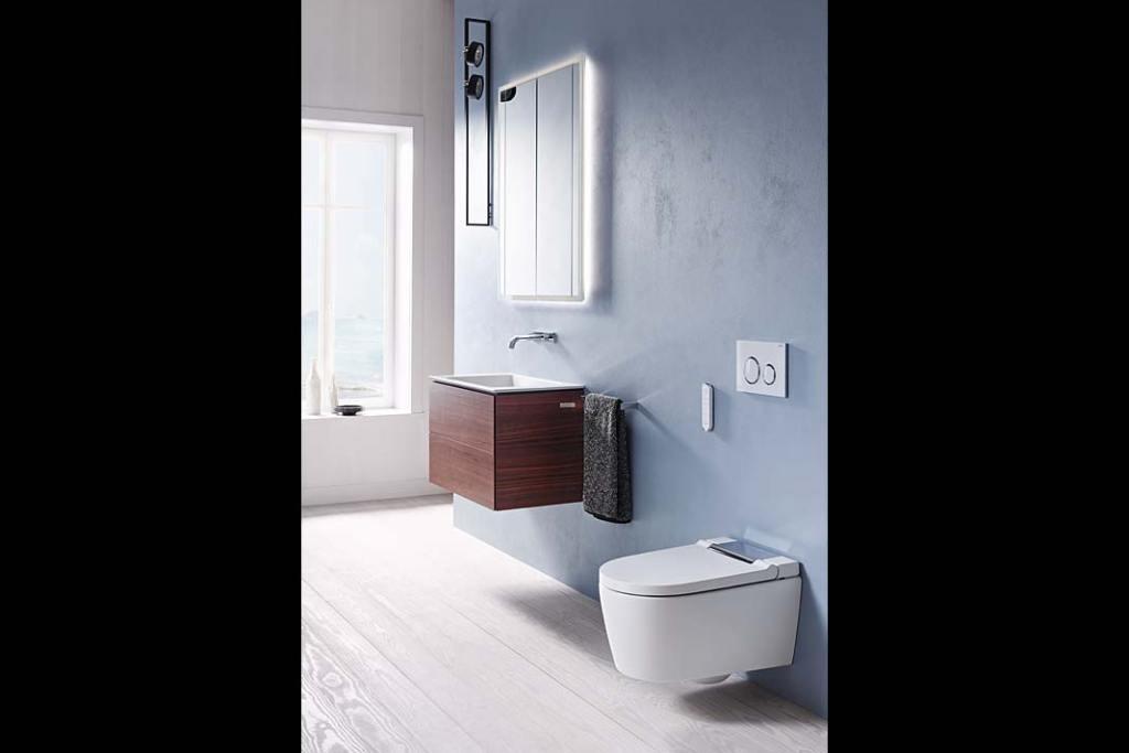 Łazienka przyjazna naturze. Toaleta myjąca Geberit AquaClean Sela