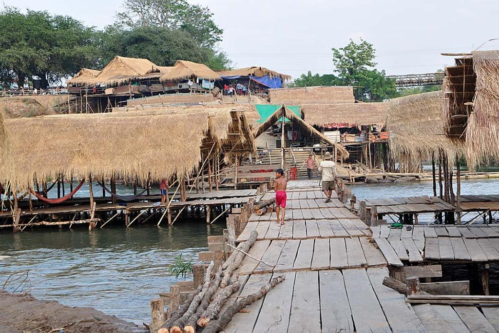 Wioska Kampi zbudowana na palach - miejsce występowania oreczki krótkogłowej
