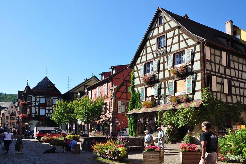 Miasta ogrody Alzacji. Centrum miejscowości Kaysersberg