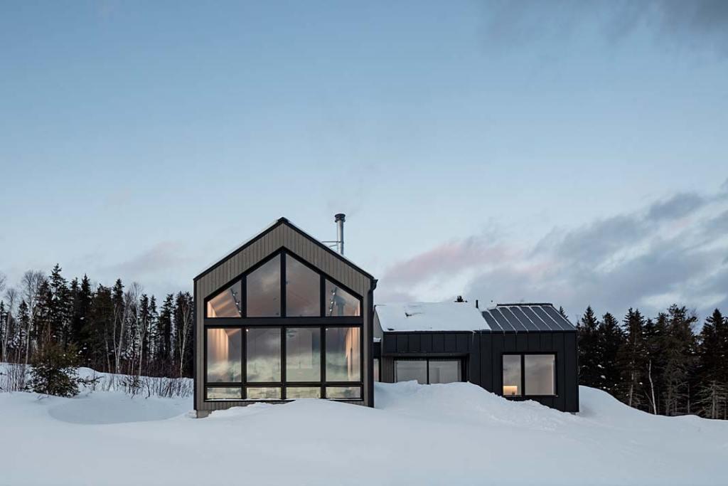 Driftwood Chalet, dom w górach w prowincji Quebec