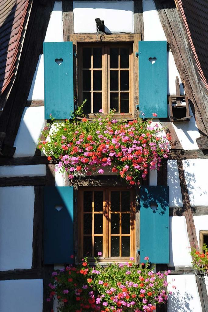 Fasada domu w alzackiej miejscowości Eguisheim