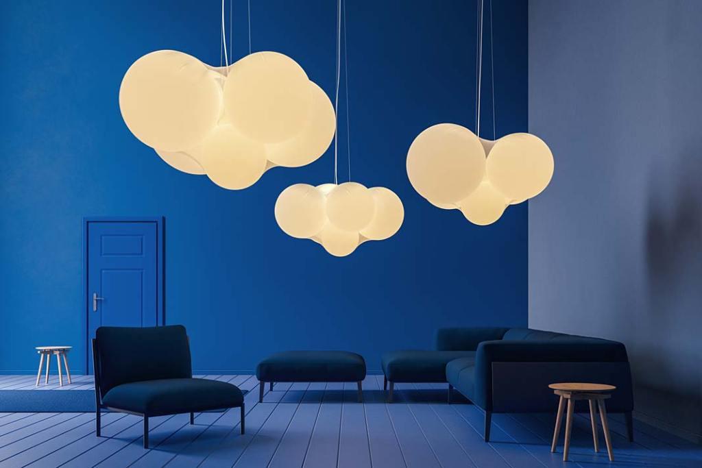 Błękitne dodatki do wnętrz. Lampa Cloudy projektu Dimy Loginoffa