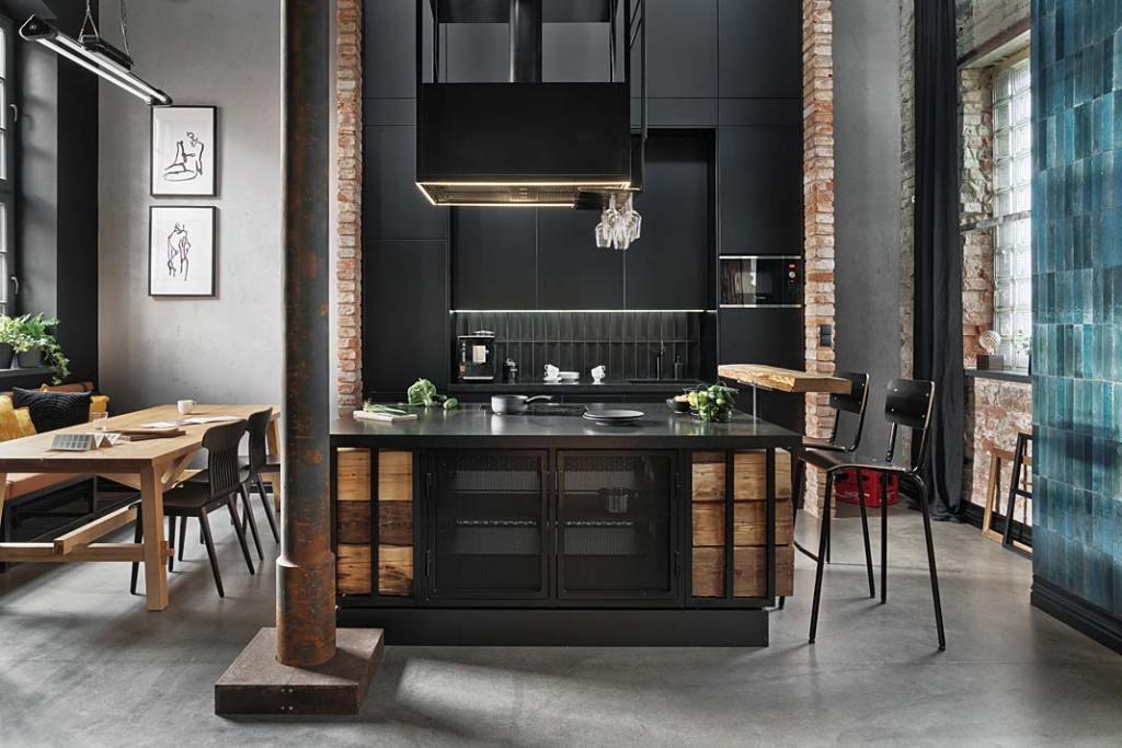 Loftowy apartament w starej kuźni, czarna kuchnia. Proj. Sikora Wnętrza. Fot. Tom Kurek