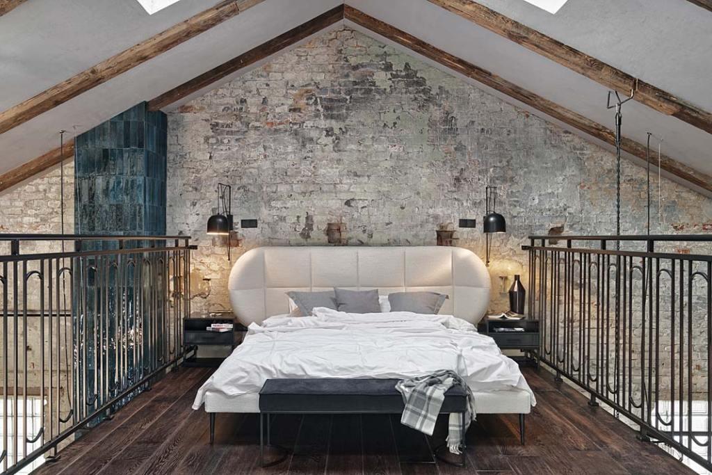 Loftowy apartament w starej kuźni, sypialnia na antresoli. Proj. Sikora Wnętrza. Fot. Tom Kurek