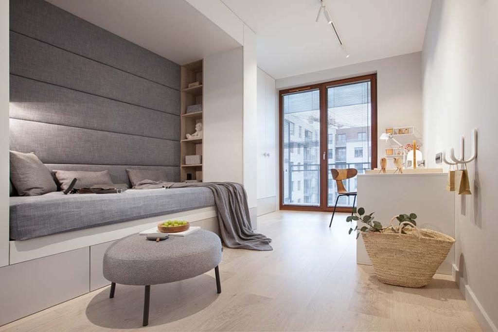Nowoczesne mieszkanie dla rodziny. Pokój nastolatki w stylu skandynawskim. Projekt: Natalia Jargiełło