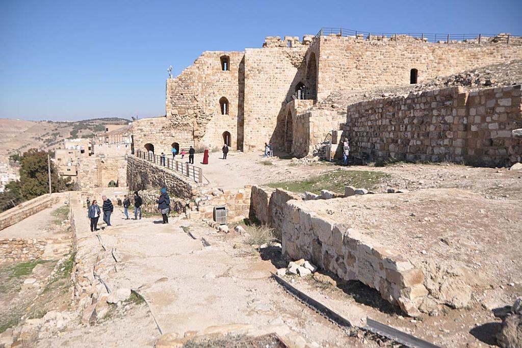 Atrakcje Jordanii: pozostałości zabudowań zamku krzyżowców wKaraku