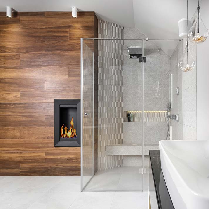 Salon kąpielowy z biokominkiem. Projekt Marcelina Rzońca