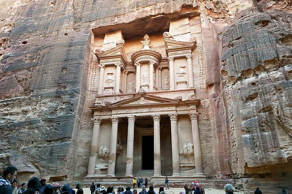 Atrakcje Jordanii: skarbiec w Petrze