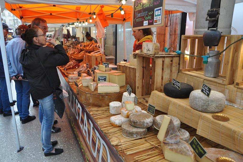 Kuchnia Burgundii. Tradycyjny targ w regionie
