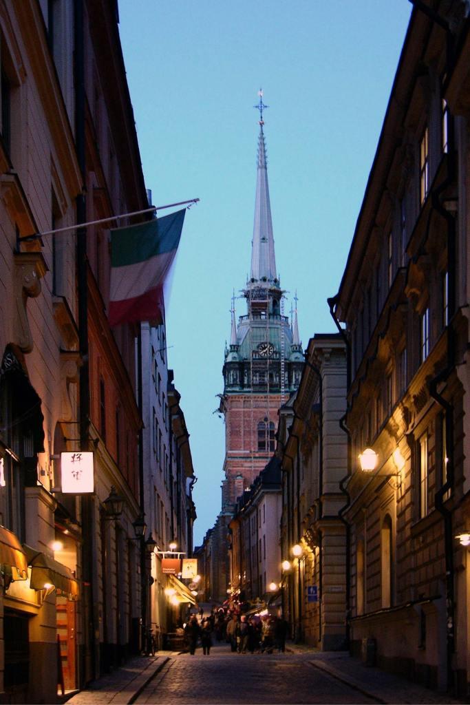 Uliczki Starego Miasta wSztokholmie. Atrakcje Szwecji