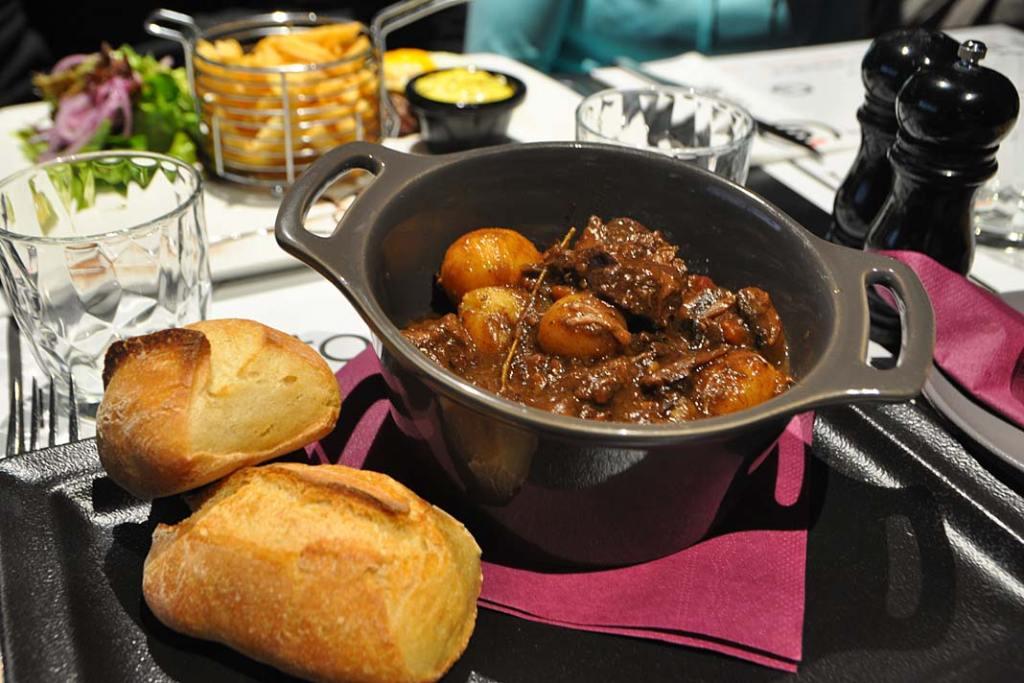 Kuchnia Burgundii. Wołowina po burgundzku