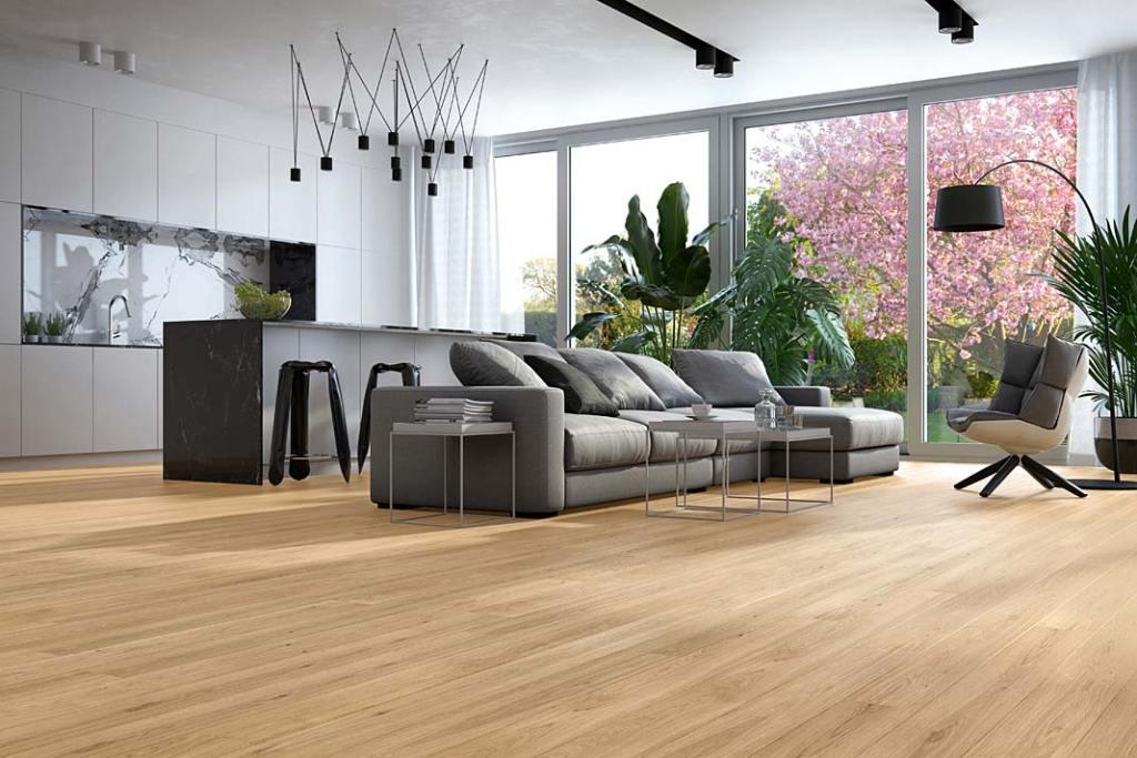 Drewniania podłoga w salonie z aneksem kuchennym, Dąb Classic 1R marki Baltic Wood
