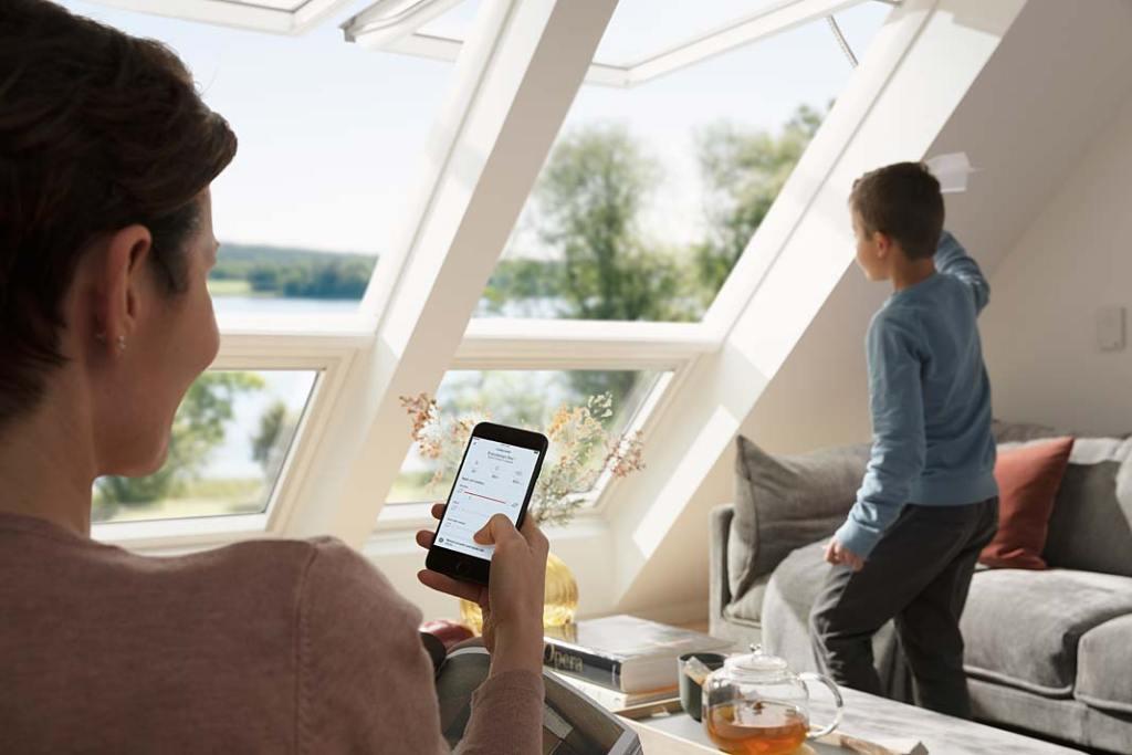 Elektryczne okna dachowe VELUX GPU INTEGRA® z czujnikami deszczu