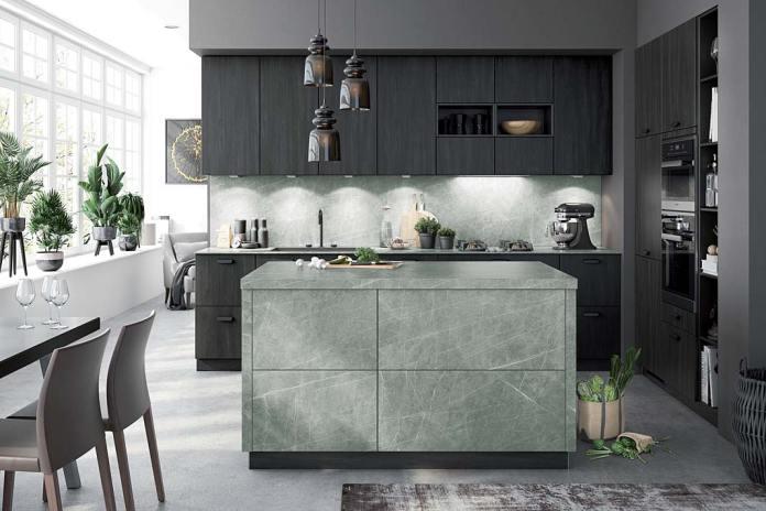 Fronty do szafek kuchennych wykonane z ceramiki imitują kamień. Meble kuchenne Amsterdam Bauformat