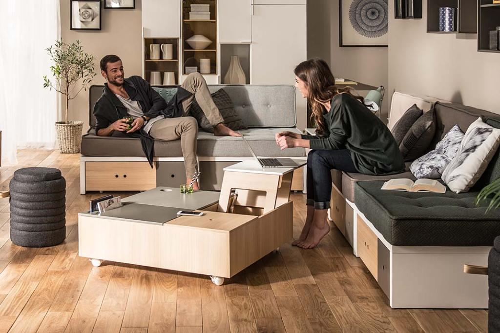 Małe mieszkanie, meble do salonu. Stolik kawowy Custom marki VOX