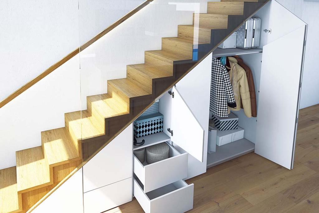 Małe mieszkanie, przestrzeń do przechowywania pod schodami. System WingLine L Hettich