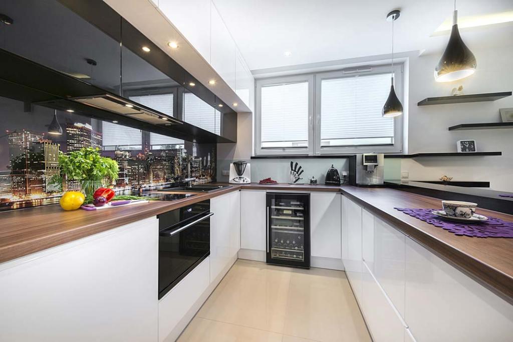 Okno w kuchni na wymiar, z oferty firmy Awilux
