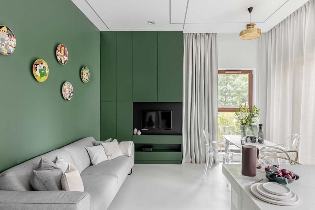 Butelkowa zieleń ściany w salonie. Projekt Magdalena Bigos-Smoszna, Idea by Mag