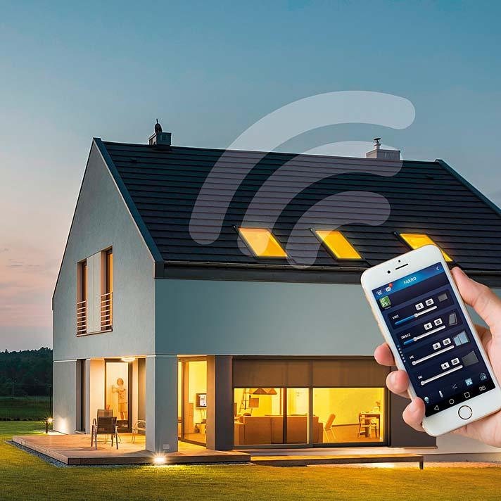 Inteligentna posesja. System FAKRO smartHome może sterować oknami, drzwiami, roletami, żaluzjami i bramą
