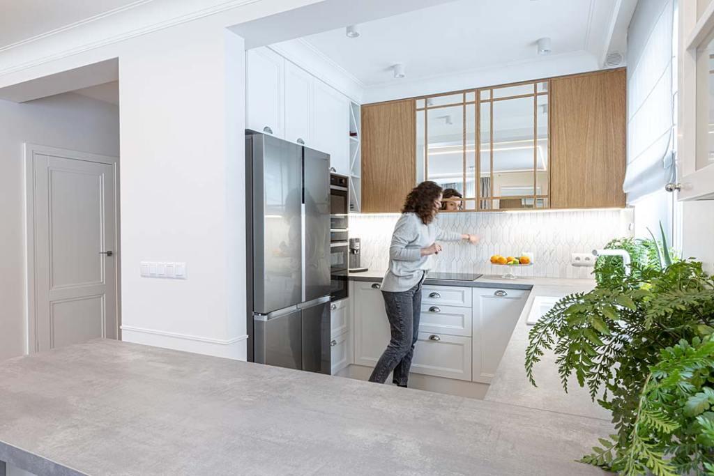160-metrowy dom dla rodziny - aneks kuchenny. Projekt Kowalczyk-Gajda Studio Projektowe