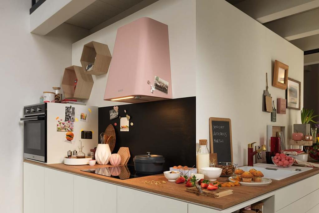Aranżacja kuchni z okapem Franke Smart Deco
