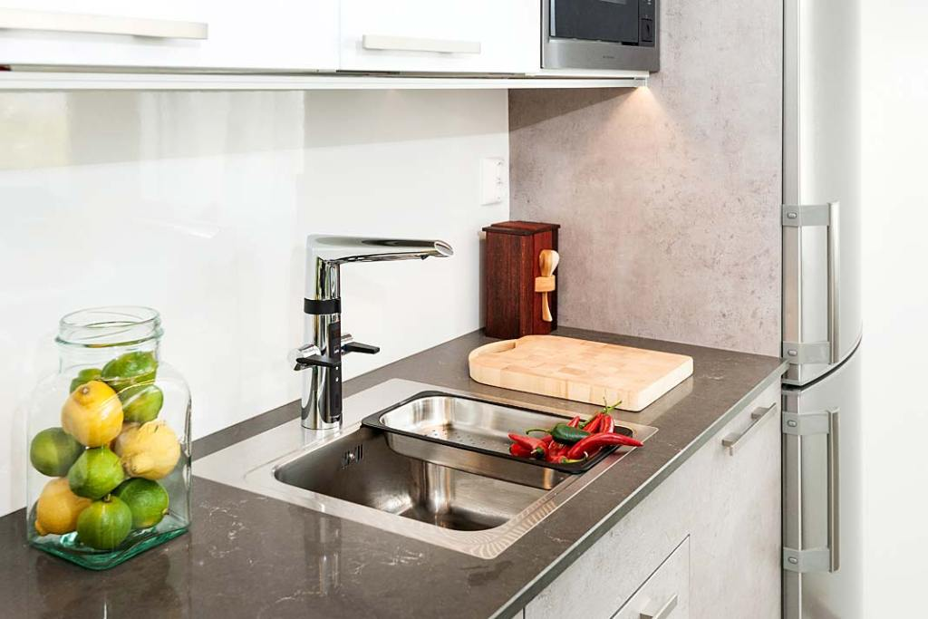 Bezdotykowa bateria Oras Optima - higiena w nowoczesnej kuchni