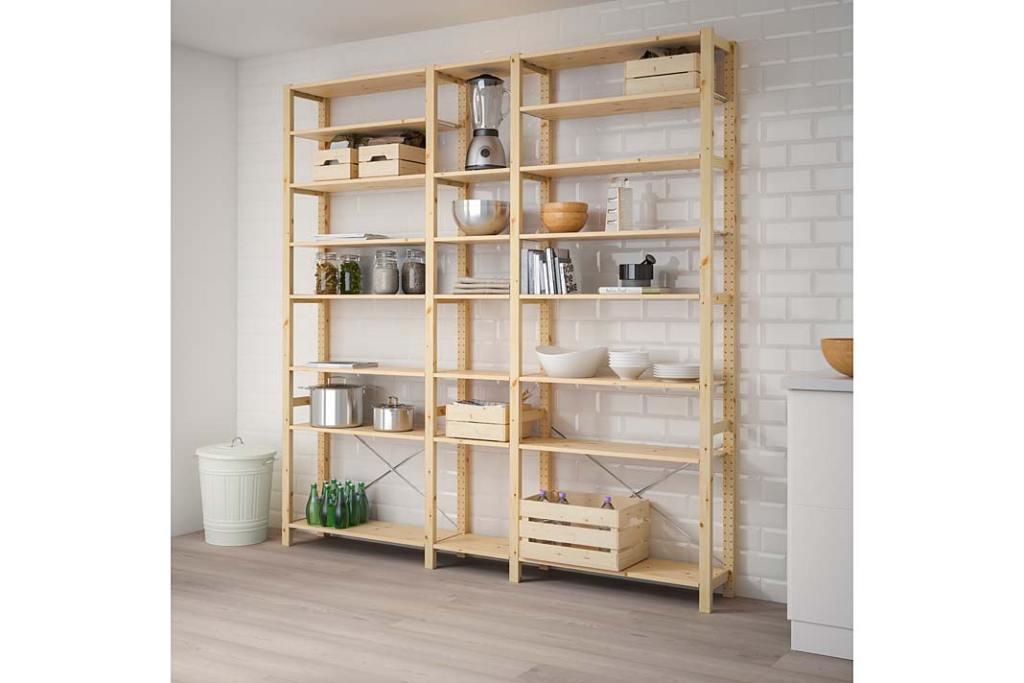 Domowa spiżarnia od IKEA, drewniany regał IVAR