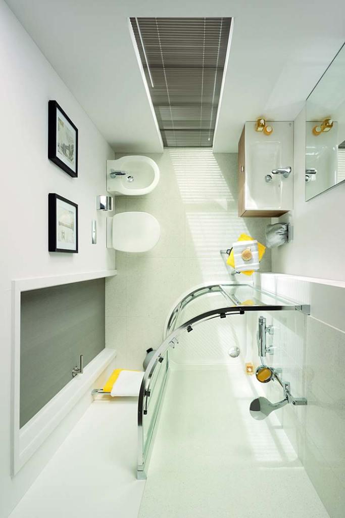 Mała łazienka dla rodziny, kolekcja Connect Space od Ideal Standard