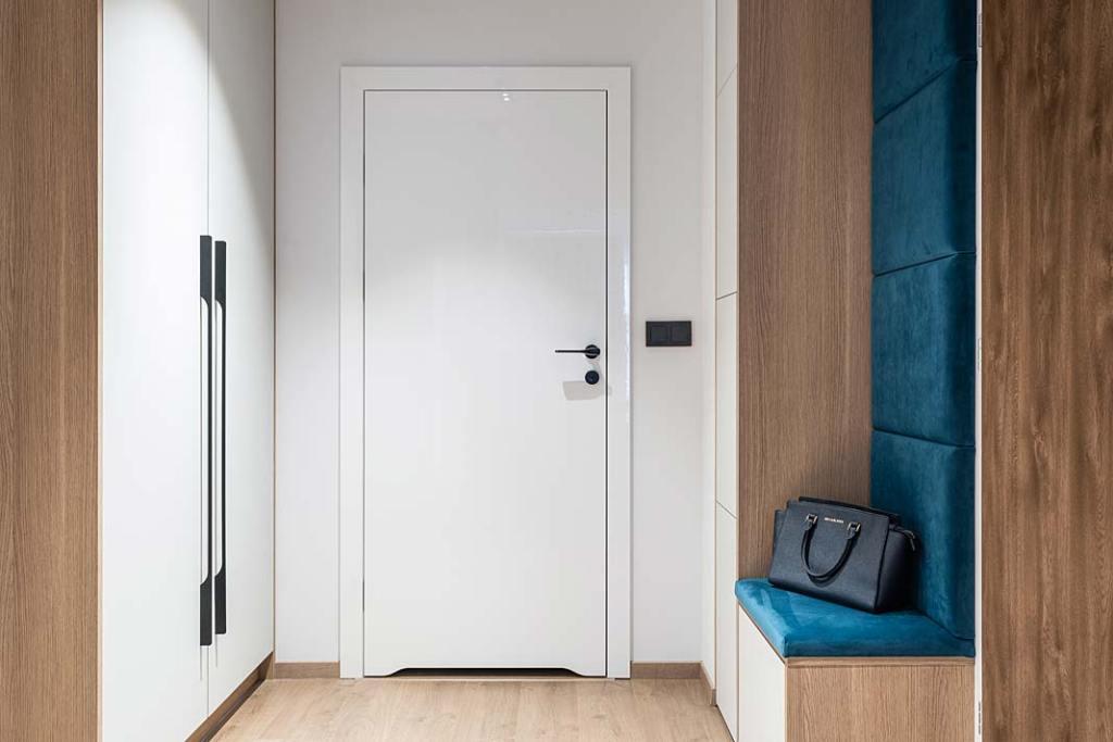 Nowoczesny apartament dla rodziny, przedpokój. Projekt Studio Projekt
