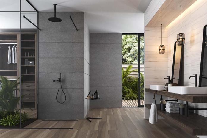 Półka pod prysznic w formie małego stolika, na ścianie płytki Oxfordwood marki Cersanit