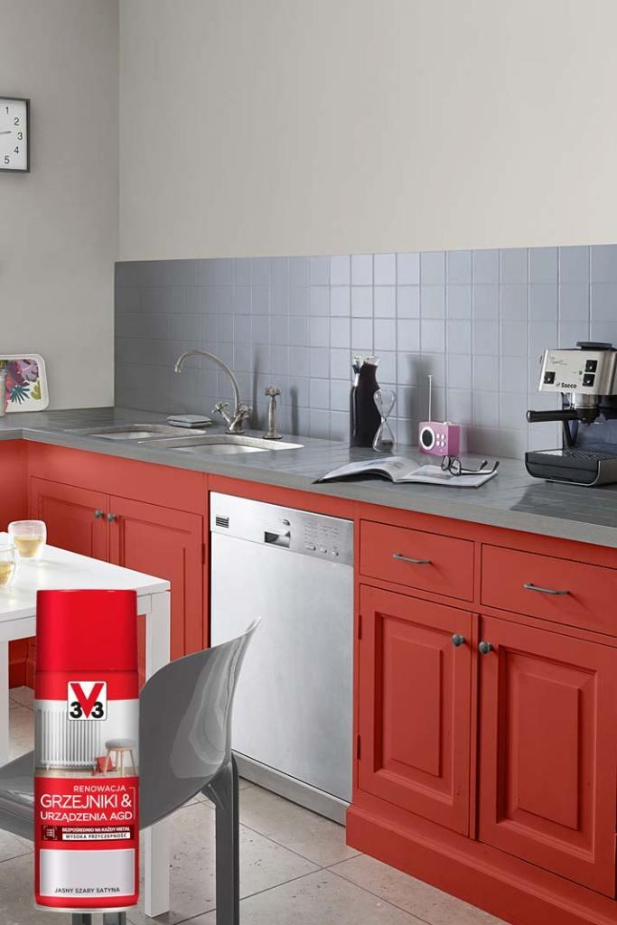 Prosty remont kuchni, spray marki V33 do renowacji grzejników i sprzętu AGD