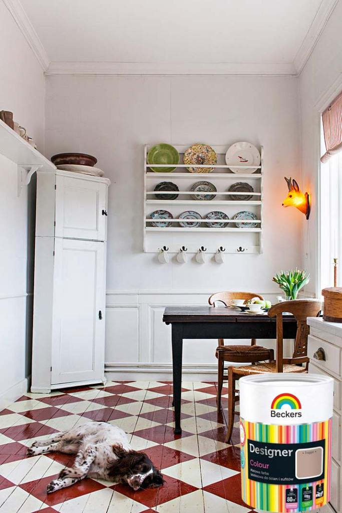 Prosty remont kuchni, zmiana koloru podłogi z farbą Beckers