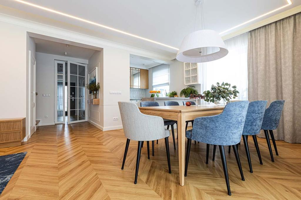 Przytulny dom dla rodziny - jadalnia. Projekt Kowalczyk-Gajda Studio Projektowe