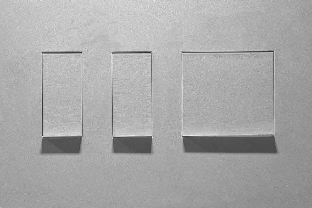 Akcesoria łazienkowe ukryte w ścianie, kolekcja Sesamo od Antonio Lupi